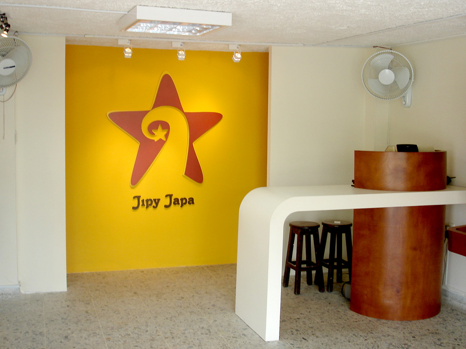Jipy Japa – Woman Accessories Store (2005)