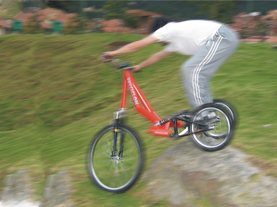 Tryciclon – Off Road Downhill Trike (2003)